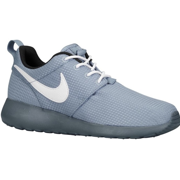 db1d9044677c Nike Roshe One Boys Grade School Running Shoes. M 5b52199734e48a6cc2e800de